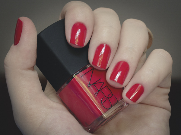 hands and feet esmalte vefic v132 nars red-15