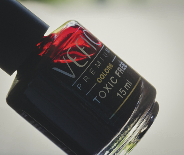 hands and feet esmalte vefic v132 nars red-17