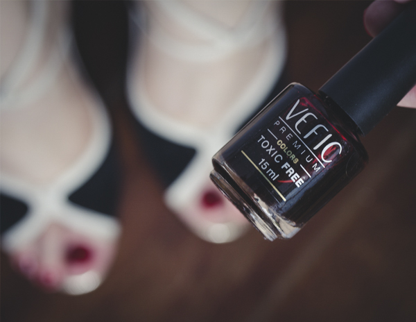 hands and feet esmalte vefic v132 nars red-8