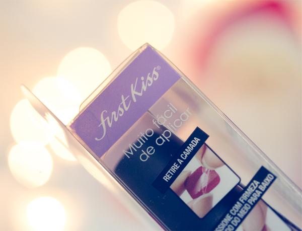 27-first-kiss-unhas-postiças-auto-colantes-resenha