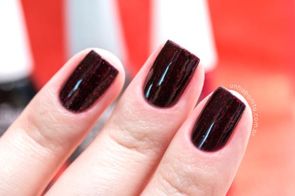 2-combinando-esmaltes---preto-glitter-vermelho