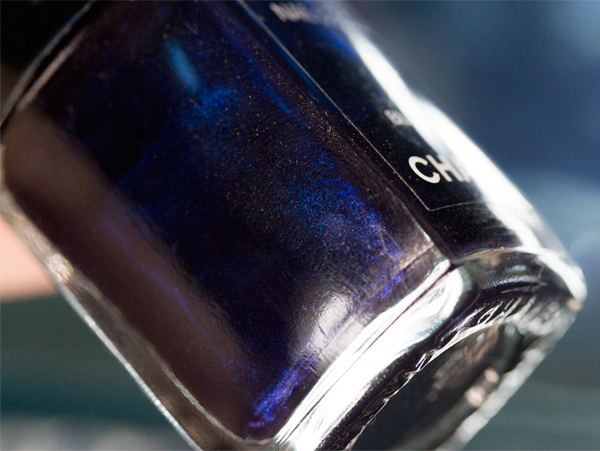 chanel-blue-satin-macro
